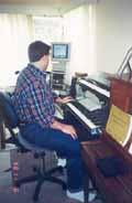 Pianist using a Bambach Saddle Seat